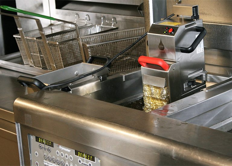 EnviroLogik offers fryer oil filtering to maximize efficiency and minimize wastes.